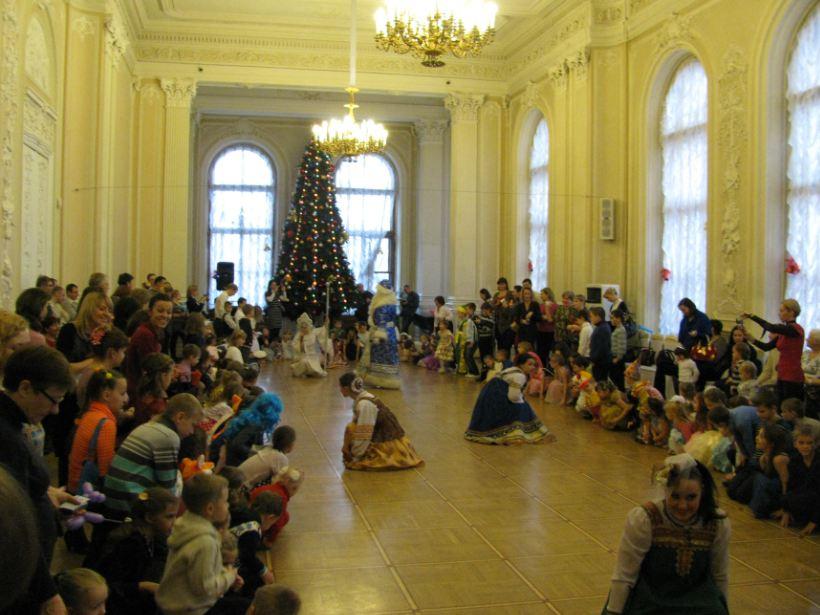 Детские подарки на новый год от профсоюза